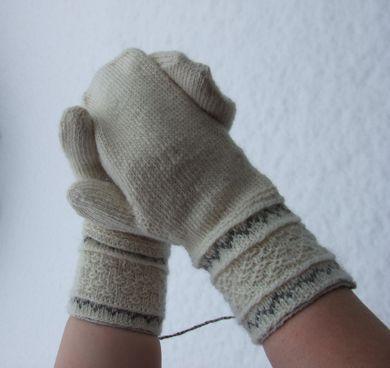 ... kitty:Tvåändsstickning / Twined Knitting / Two End Knitting Mittens