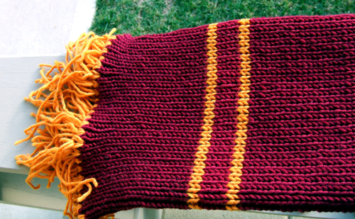 Knit Harry Potter Scarf Pattern : Knit Buddies: Kitty: Hubbies Harry Potter Scarf is Done!